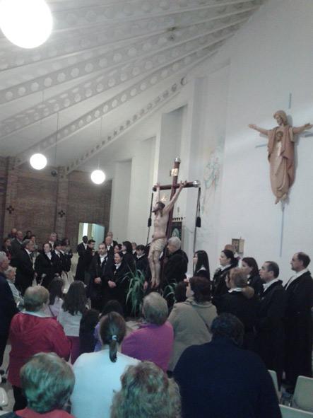 dentro-iglesia
